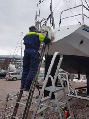 Welding the windvane bracket - Liberta.fi