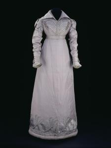 1817-1820 spencer and matching dress © Victoria and Albert Museum, London
