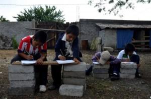 Escuelas precarias