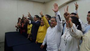 Precandidatos piden que PRD encabece la capital.