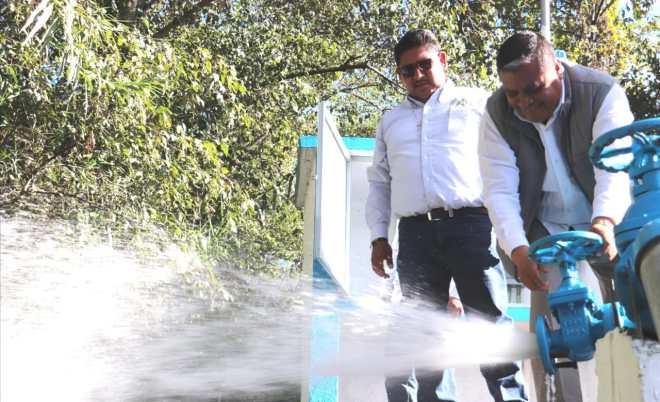 En beneficio de más de 350 familias, edil de Tlaxiaco y su cabildo inauguran ampliación de la red de agua potable del Barrio San Miguel