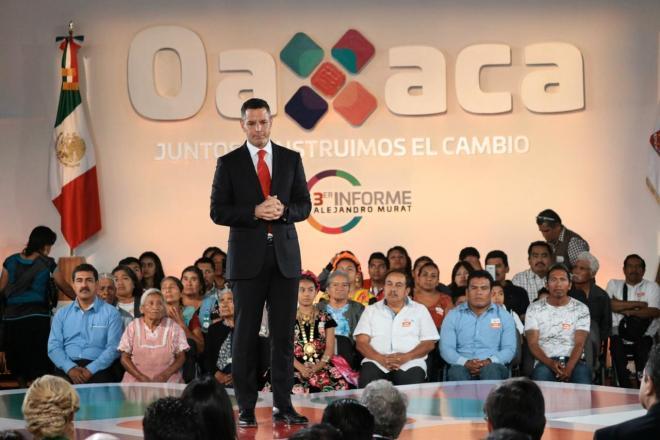 Murat aprueba referéndum del III Informe; gabinete, no: Alfredo Martínez de Aguilar