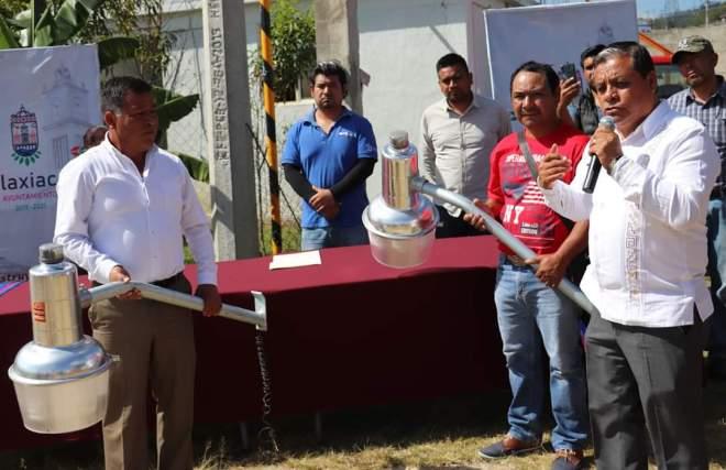 Inaugura edil Gaudencio Ortiz 3 importantes obras de electrificación para el municipio de Tlaxiaco
