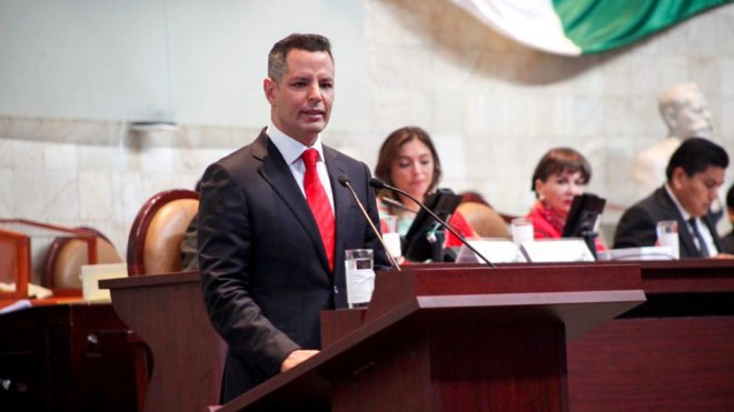 Destaca Alejandro Murat reducción de pobreza extrema y crecimiento económico  en Tercer Informe de Gobierno