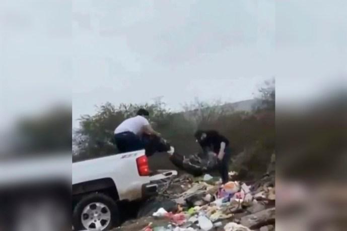 Toman video a sicarios tirando un cadáver en un basurero