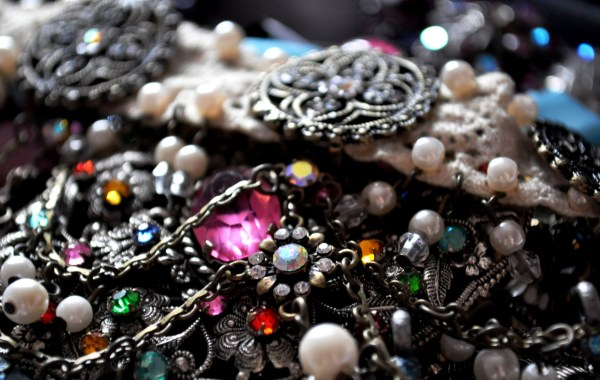 Antique & Vintage Jewelry