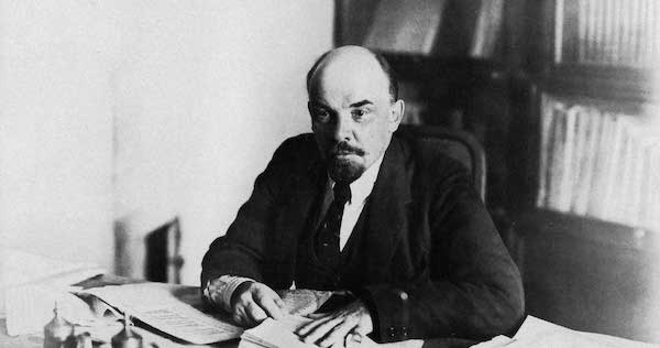 19181016-lenin_at_desk_kremlin_moscow-1