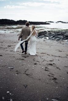 beach-elopement-wedding-devon-ayrmer-cove-liberty-pearl-photography