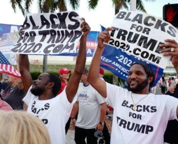 Afroamerikanische Unterstützer Donald Trumps bei einer Wahlkampfveranstaltung im Juni 2019 Foto: Hernando Sorzano, Shutterstock