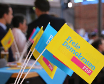 Die FDP-Mitglieder Helmer Krane und Nicolas Lembeck plädieren für die ökoliberale Ausrichtung ihrer Partei. Der Klimawandel sei die große Herausforderung der Gegenwart.