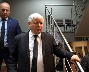 Jarosław_Kaczyński_im_Wahlkampf_2015'_Wikimedia_CC-BY-SA4.0_BielskoBiała