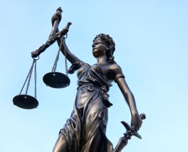 Justitia. Foto: Tim Reckmann/flickr (CC BY 2.0 https://creativecommons.org/licenses/by/2.0/deed.de)