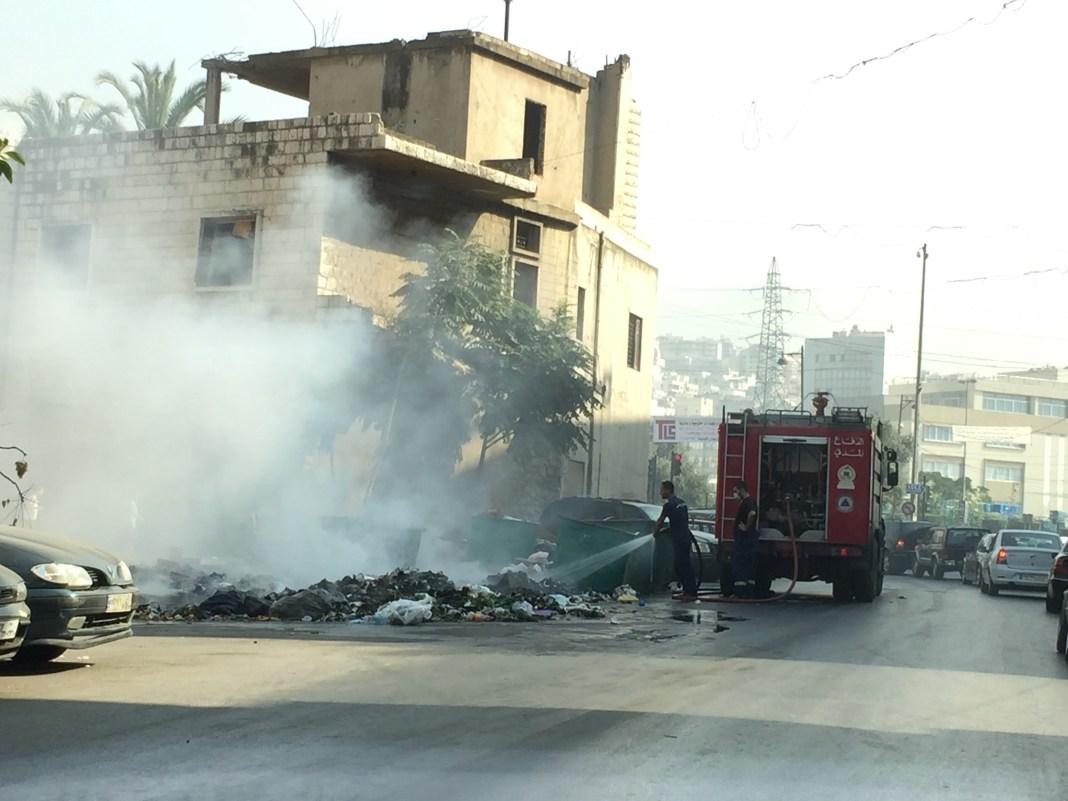 Incendie d'une poubelle dans la banlieue de Beyrouth. Crédit Photo: François el Bacha, tous droits réservés.