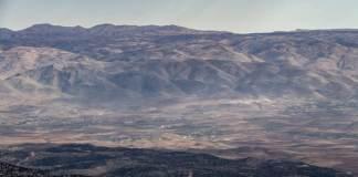 La plaine de la Békaa vue depuis les Cèdres. Crédit Photo: François el Bacha pour Libnanews.com. Tous droits réservés.