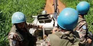 En 2015, en République démocratique du Congo: des Casques bleus mènent une patrouille dans les environs de Beni (Nord-Kivu). Monusco/Wikimedia, CC BY-SA