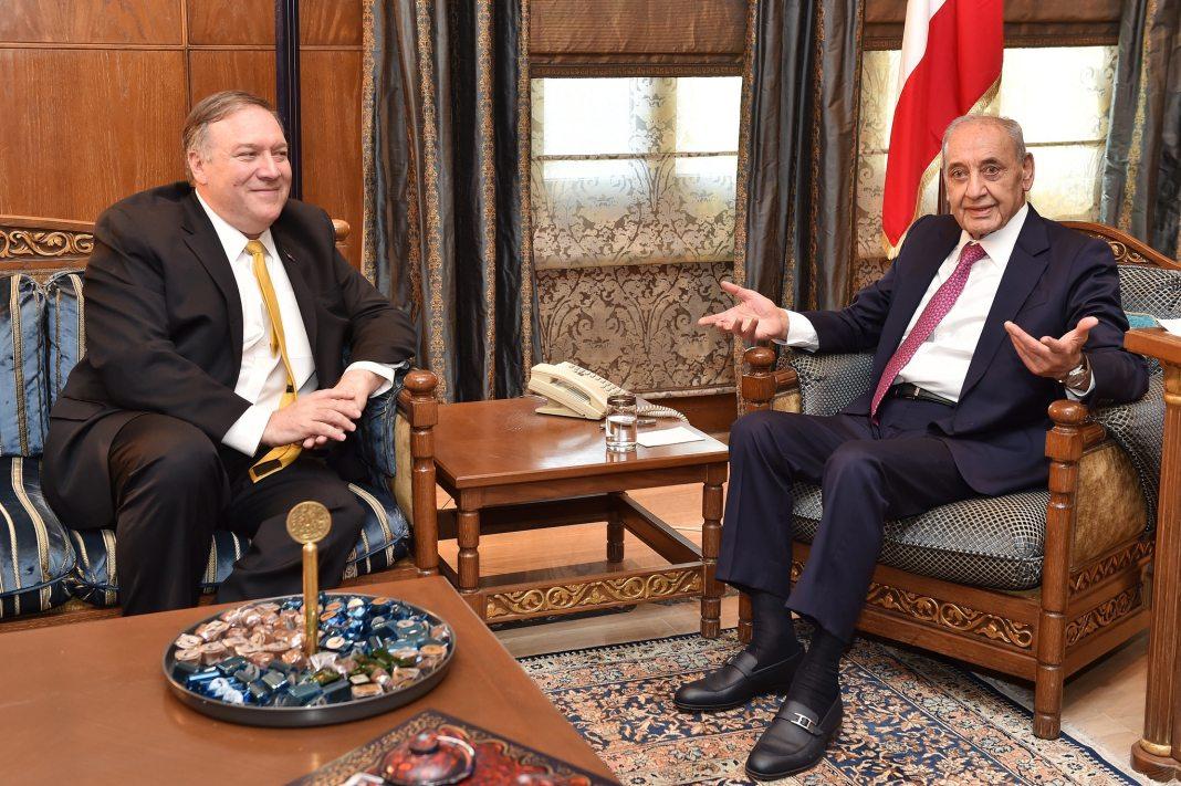 Mike Pompeo et le Président de la Chambre Nabih Berry. Crédit Photo: Service presse du Parlement