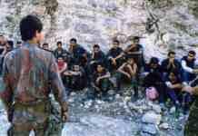 Des soldats Libanais du Général Aoun, prisonniers de l'Armée Syrien, le 13 octobre 1990.