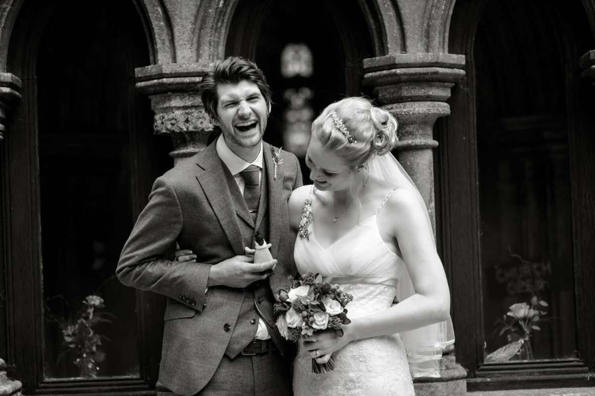 Kingston-Country-Courtyard-wedding-photographer