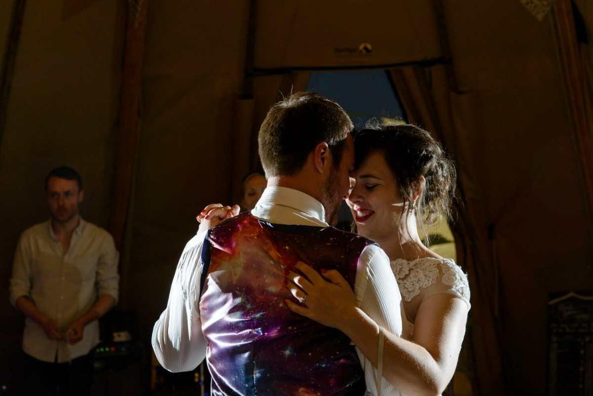 bride-first-dance