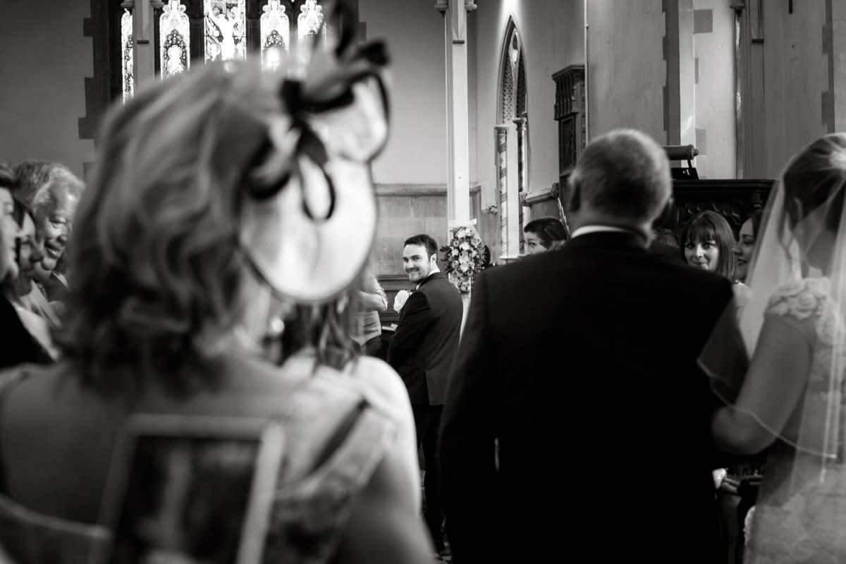 groom-sees-bride-for-first-time