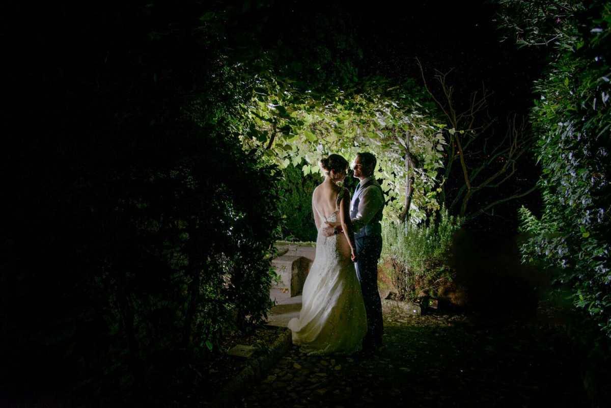 wedding-photographer-in-rain