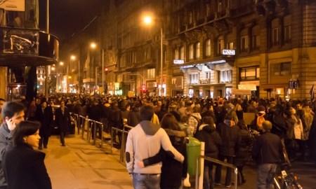 tüntetésen