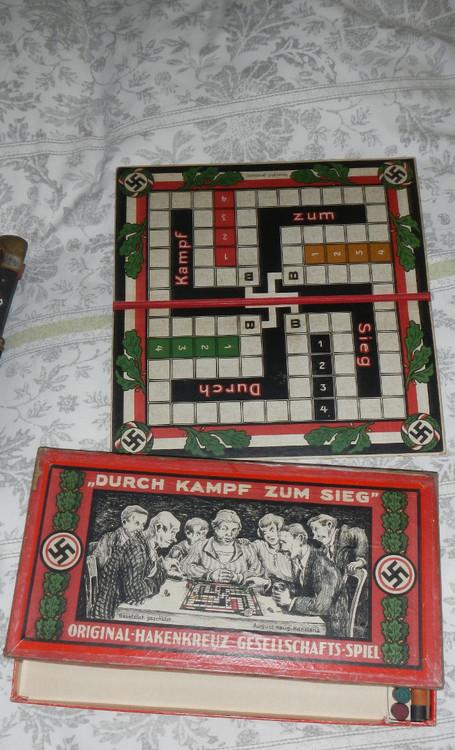 swastika_társas