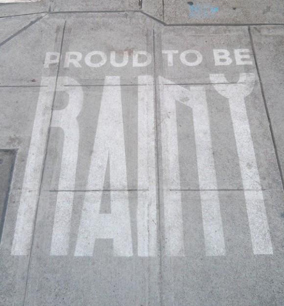 esőben előtűnő