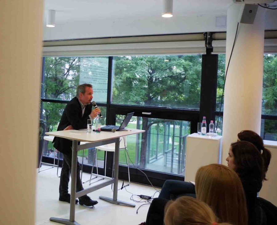 Láng Benedek előadása a Design Terminálban - a szerző felvétele