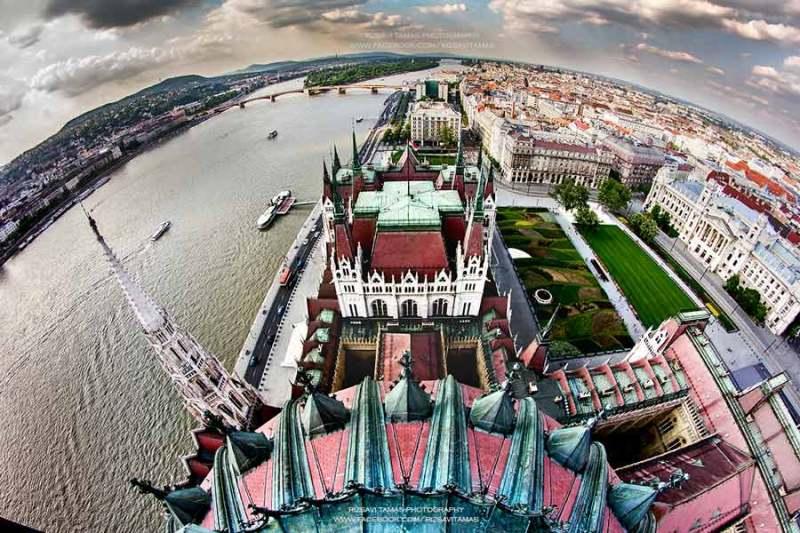 Kilátás a Parlament tetejéről - a kép forrása: Rizsavi Tamás