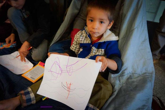 menekült gyerekek rajzai