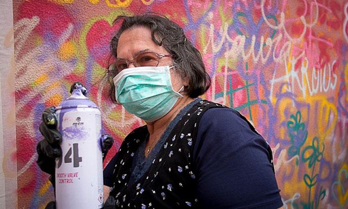 graffiti nagymamák