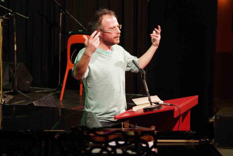 Papp Richárd tart előadást könyvéről a Bálint házban - a szerző felvétele