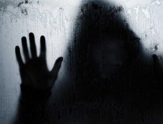 Öt ember, egy megásott sír és egy rejtélyes gyilkosságsorozat