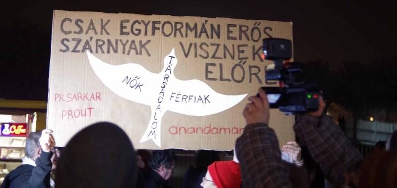 A demonstrálók egyik transzparense - a szerző fotója