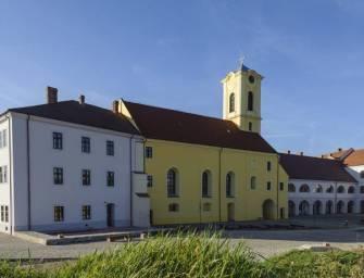 Gyönyörű lett a felújított nagyváradi vár