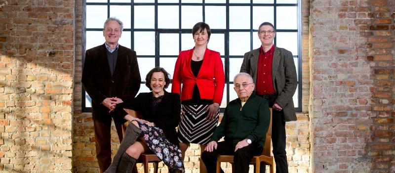 A Libri irodalmi díj zsűrijéről, és a tagokról külön-külön EGYED PÉTER készítette a fotókat.
