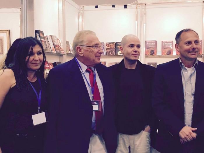 A Drory Könyvtár standjának megnyitóján 2015-ben: Nagy Gabi, Ungvári Tamás, Szántó T. Gábor és Nagy Andor tel-avivi magyar nagykövet