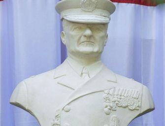 Magánterületen avattak Horthy-szobrot