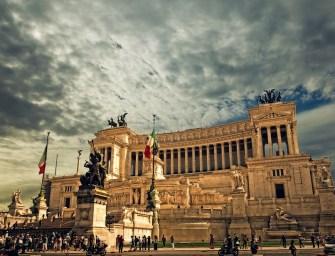Hogyan került a meztelen férfi a római rendőrségre?