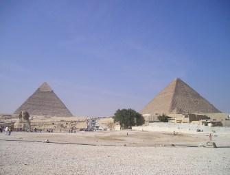 Bezárás után a Kheopsz-piramisban maradt egy férfi