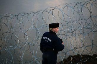 Budapest, 2020. január 27. Koszticsák Szilárd, az MTI/MTVA fotóriportere Határvadászok szilveszterkor címû képriportjának negyedik felvétele. A Magyarország déli határszakaszának védelmérõl szóló fotósorozat a 37. Magyar Sajtófotó Pályázat Képriport kategóriájában második helyezést ért 2019. január 27-én. MTI/Koszticsák Szilárd