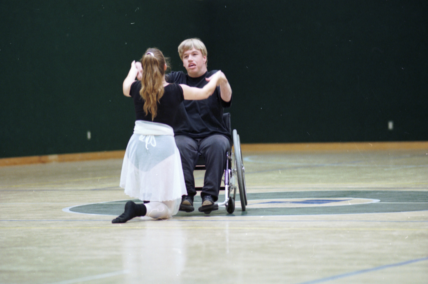 wheelchair drake antique office chair alex spitzer and melinda dance at the hurst very special arts festival