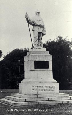 Photo: Statue of Robert Falcon Scott