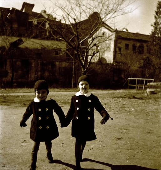 Jewish children in China