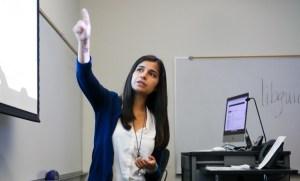 Librarian Nataly Blas teaching a class