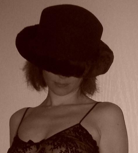 moi-avec-chapeau