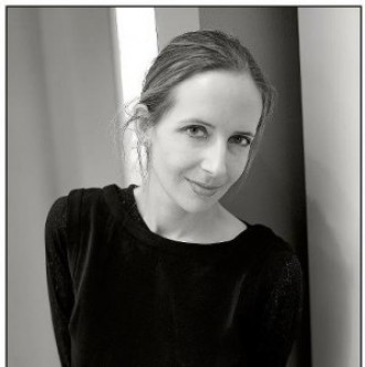 Virginie Vanos écrivaine photographe modèle