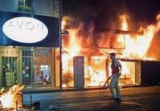 Buenos Aires saccheggiata dalla folla