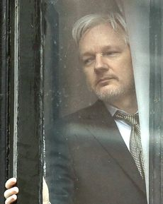 La prigionia di Assange